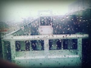 Dari jendela kantor, satu jam sebelum magrib